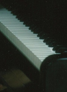 Angela - piano keyboard cr