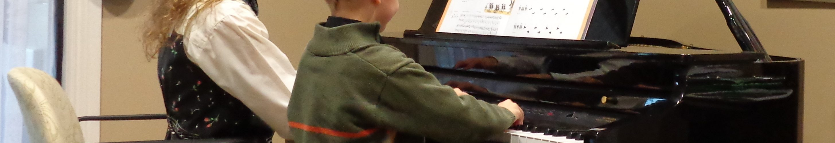 Choosing a music teacher for piano lessons for beginners